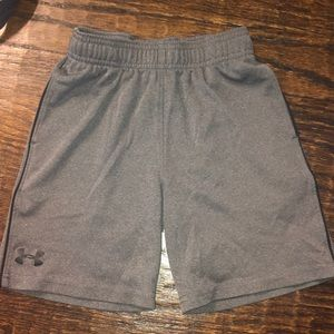 Under Armour boys shorts size 5